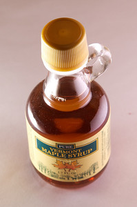 Mmmmm, mini-maple syrup.  Another product shot/white seamless attempt (and failure - too shiny of a bottle!).