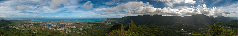 360° panorama from the first peak of Olomana. This is the first 360° panorama I've done; it's also the biggest panorama I've done. The full size is over 125Mp.