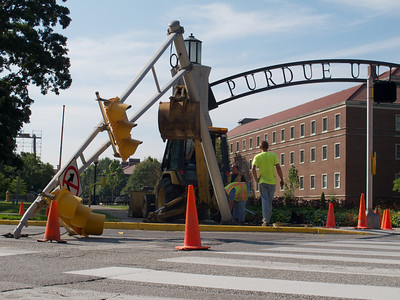 Construction mishap at Stadium and University - probably gonna be some delays for a while...