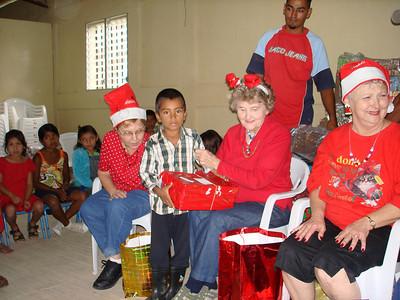 Apanas children