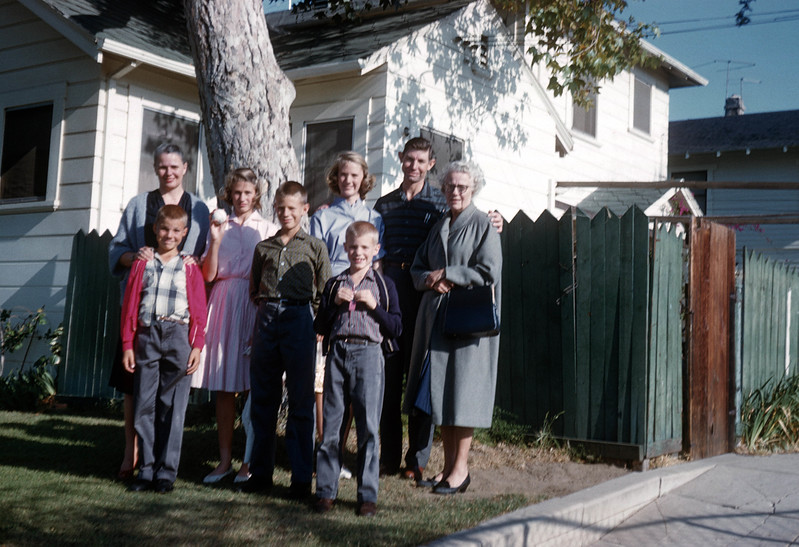 6 - Anna & Liles family at 9th Ave house
