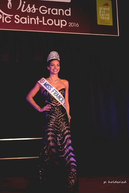 Miss Grand Pic Saint Loup 2016 à Saint Gely Du Fesc |  Marine Lorphelin sur scène