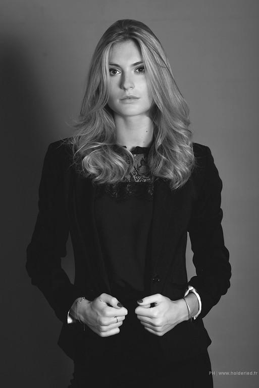 Alizée Rieu en studio - Book modèle en studio photo Montpellier