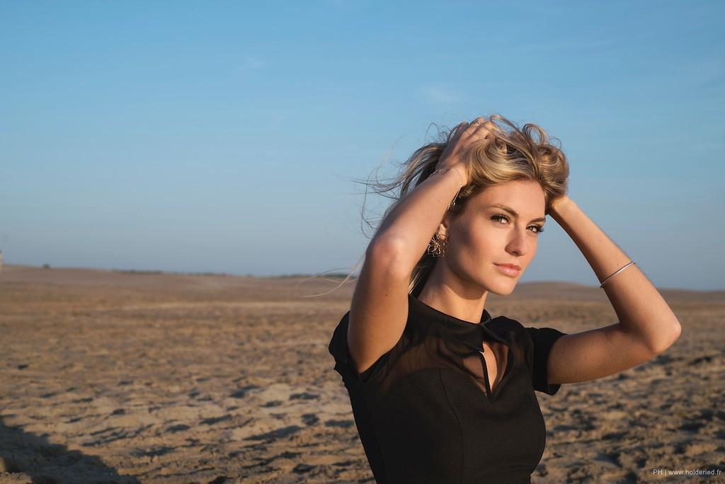 Shooting photo de Alizée Rieu à la plage