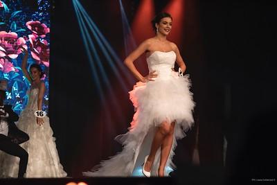Axelle Breil sur scène lors de la finale miss midi-pyrenées-2018