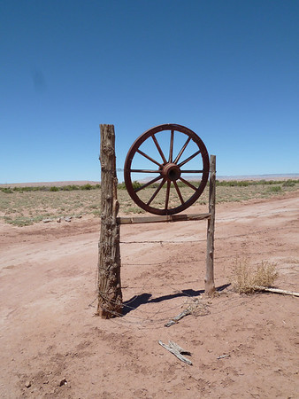 Yazzi Wagon Wheel Gate-1