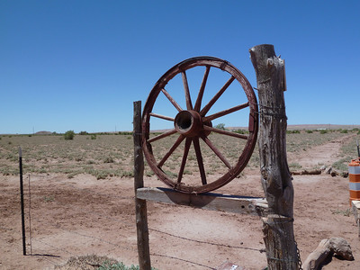 Yazzi Wagon Wheel Gate-2