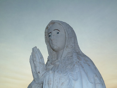 OLF - Statue-2