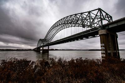 Hernando De Soto Bridge