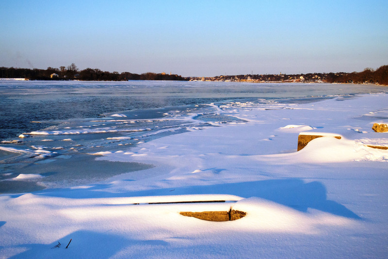 Mississippi River freezes in winter, seen from Bettendorf, IA