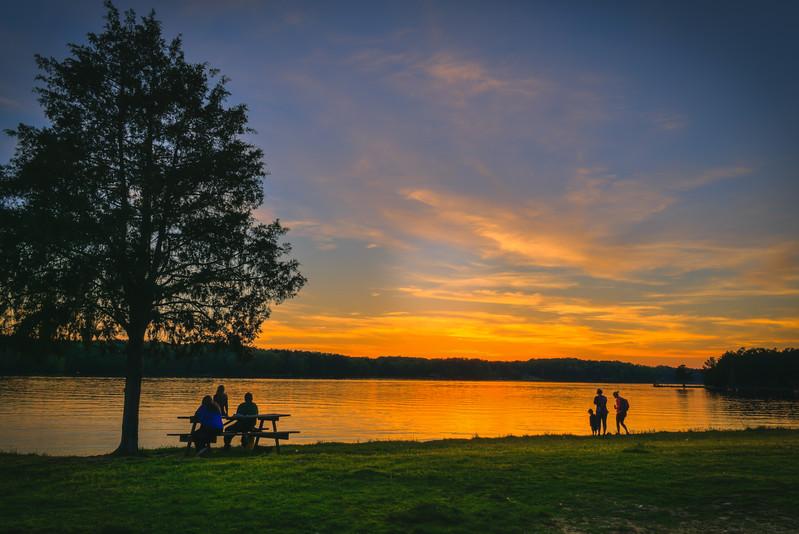 Family Lake Time