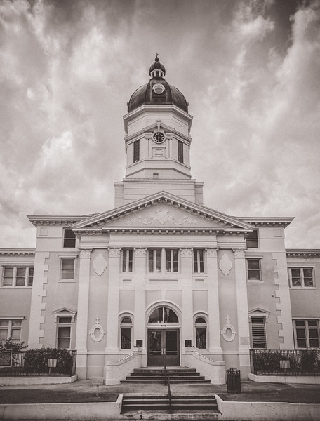 Black & White Courthouse