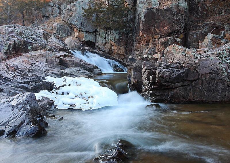 MNB-002: Klepzig Mill on Rocky Creek (Shannon County)