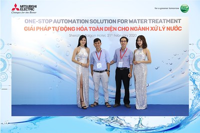 Mitsubishi-Electric-instant-print-photo-booth-Sheraton-Saigon-Chup-hinh-lay-lien-su-kien-WefieBox-Photobooth-Vietnam-20