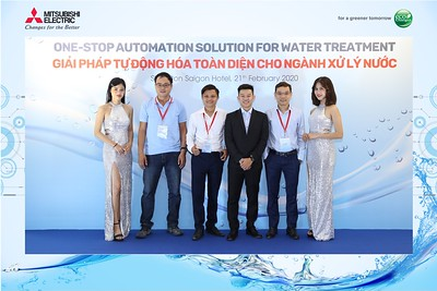 Mitsubishi-Electric-instant-print-photo-booth-Sheraton-Saigon-Chup-hinh-lay-lien-su-kien-WefieBox-Photobooth-Vietnam-17