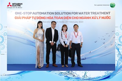 Mitsubishi-Electric-instant-print-photo-booth-Sheraton-Saigon-Chup-hinh-lay-lien-su-kien-WefieBox-Photobooth-Vietnam-10
