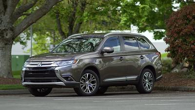 2017 Mitsubishi Outlander Parked Reelt