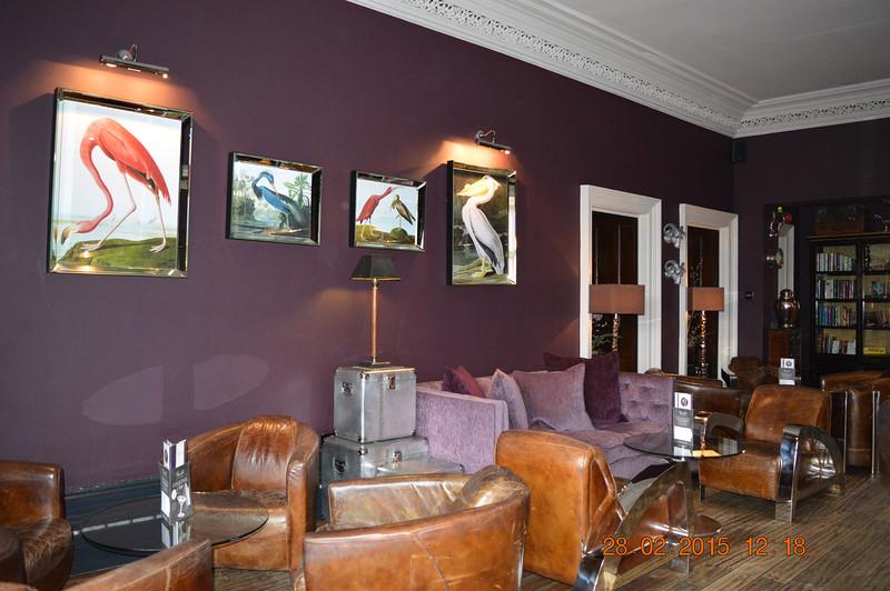 Mitton lounge
