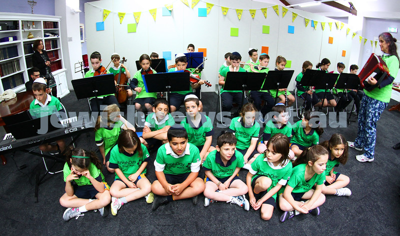 16-11-14. Mitzvah Day, Melbourne 2014. Kehilat Nitzan, lunch for seniors.  Members of the Bialik orchestra and choir performing for the guests. Photo: Peter Haskin