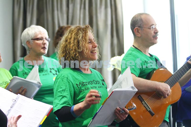 16-11-14. Mitzvah Day 2014. Nitzanim performing at Arcare, Kooyong Rd. Photo: Peter Haskin