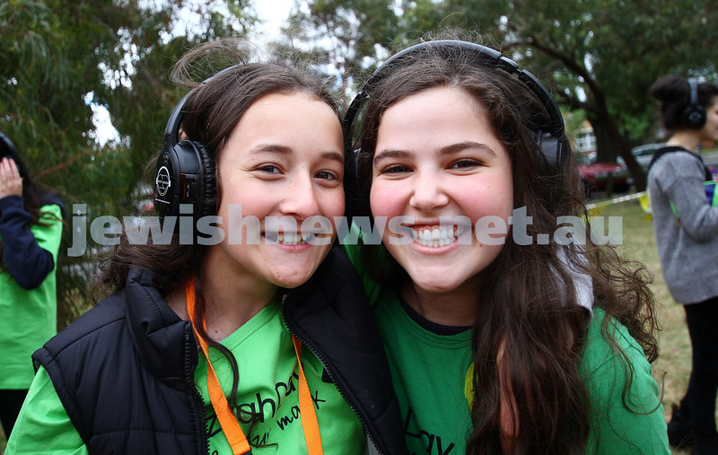 16-11-14. Mitzvah Day, Melbourne 2014. Stand Up. Picnic in Caulfield Park for the Sudanese community. Photo: Peter Haskin