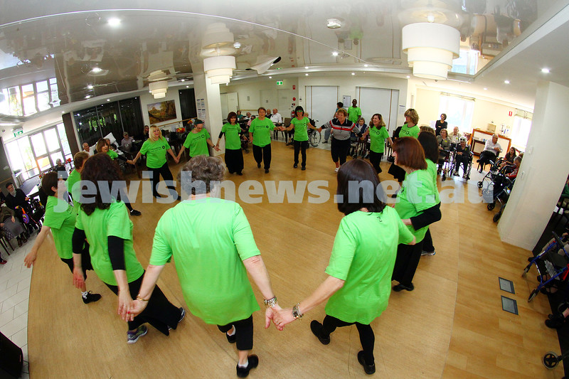 15-11-15. Mitzvah Day. Zooz Israeli dancers at Gary Smorgon House. Photo: Peter Haskin