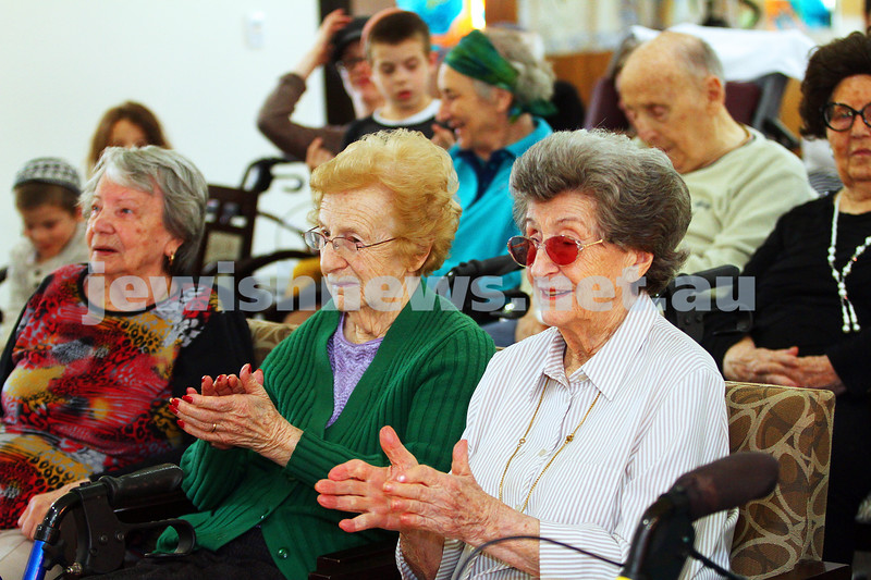 15-11-15. Mitzvah Day. Zooz Israeli dancers at Gary Smorgon House. Photo: Peter Haskin