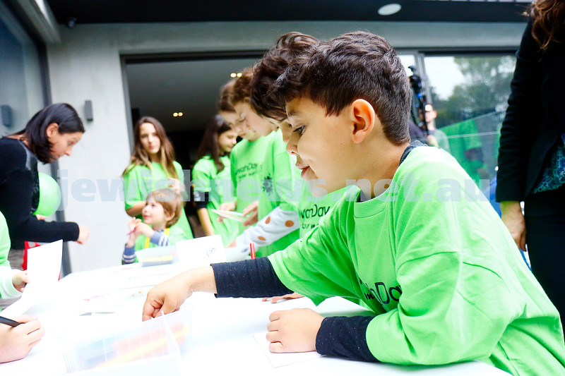 27-11-16. Mitzvah Day.  WIZO Kids, preparing gifts for seniors. Photo: Peter Haskin