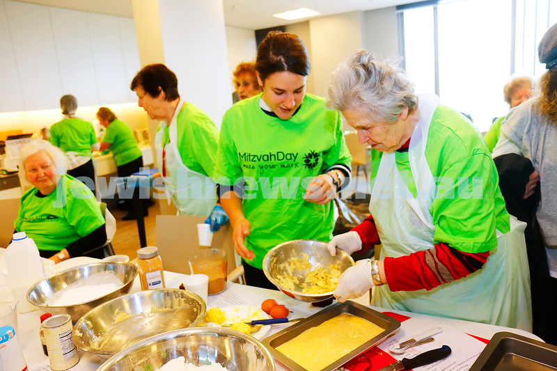 27-11-16. Mitzvah Day.  Darchei Shalom at Emmy Monash Aged Care cooking for those in need. Photo: Peter Haskin