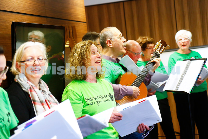 27-11-16. Mitzvah Day.  Stand Up hosting an afternoon for the Sudanese community at St Kilda Shul. Photo: Peter Haskin
