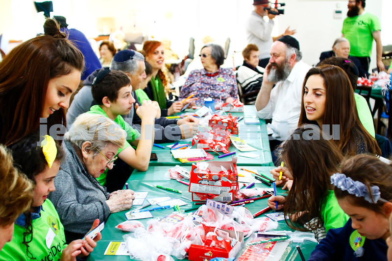 27-11-16. Mitzvah Day. working on Chanukah packs at Gary Smorgon House. Photo: Peter Haskin