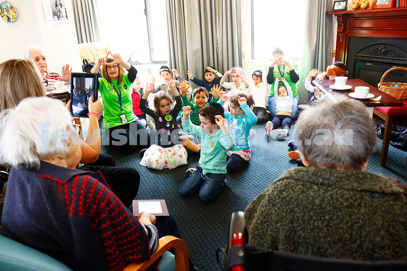 25-11-16. Mitzvah Day. FKI kinder visiting BUPA aged care on North rd. Photo: Peter Haskin
