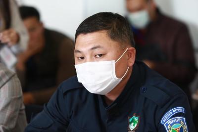 2020 оны аравдугаар сарын 8. Хан-Уул дүүргийн 4600 айл энэ жил дулаан өвөлжих эсэх нь УИХ-ын гишүүн асан Л.Гүндалайн зөвшөөрлөөс шалтгаалаад буй талаар мэдээлэл хийлээ.  ГЭРЭЛ ЗУРГИЙГ Д.ЗАНДАНБАТ/MPA