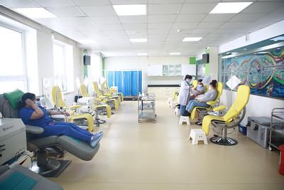 """2021 оны тавдугаар сарын 23. """"Цус сэлбэлт судлалын үндэсний төв"""" цус, цусан бүтээгдэхүүний нөөцийн хомсдолтой холбоотойгоор мэдээлэл хийлээ.   ГЭРЭЛ ЗУРГИЙГ Д.ЗАНДАНБАТ/MPA"""