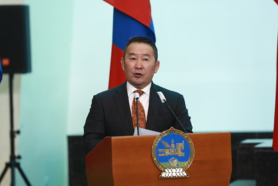 2021 оны тавдугаарс сарын 21. Монгол Улсын Ерөнхийлөгч Х.Баттулга дипломат цол гардууллаа.  ГЭРЭЛ ЗУРГИЙГ Д.ЗАНДАНБАТ/MPA