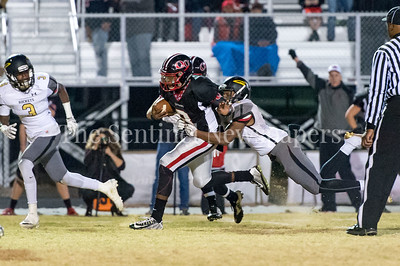 11/19/2016 - Richard Montgomery v Quince Orchard Football, ©2016 Jacqui South Photography