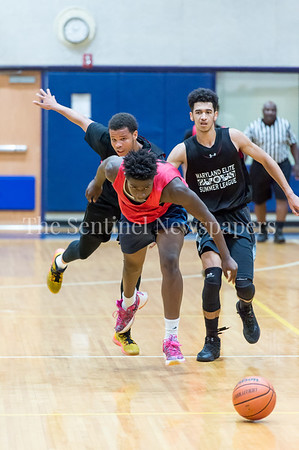 7/18/2017 - Caleb Arthur out hustles for a loose ball, Maryland Elite Summer Basketball, ©2017 Jacqui South Photography