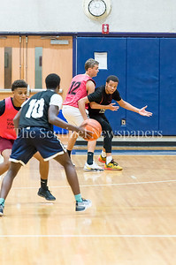 7/18/2017 - Michael Germaine looks for a pass from guard Delano Jessup, Maryland Elite Summer Basketball, ©2017 Jacqui South Photography