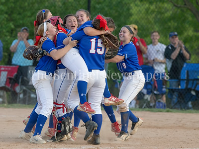 With a 5-3 win over Northwest HS, the Sherwood girls Varsity squad completes an undefeated season. PHOTO BY MIKE CLARK