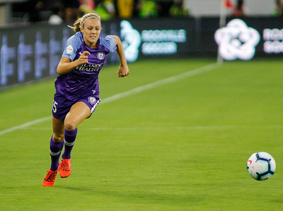 August 24, 2019: Pride Rachel Hill (15) chases an lose ball during NWSL action between Orlando Pride and Washington Spirit in Washington DC. Photos by Chris Thompkins/Montgomery County Sentinel