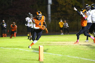 George P. Smith/The Montgomery Sentinel    Rockville's Okeyo Ayungo (4) makes a wide open catch in the endzone for a Ram touchdown as teammate DJ Flowers (3) starts to celebrate.