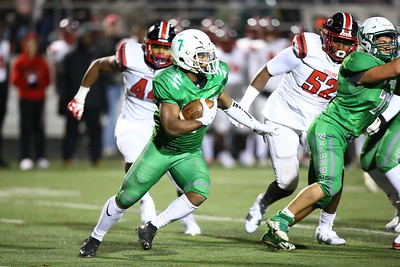 George P. Smith/The Montgomery Sentinel    Walter Johnson's Aaron Jones (7) carrying for the Wildcats.