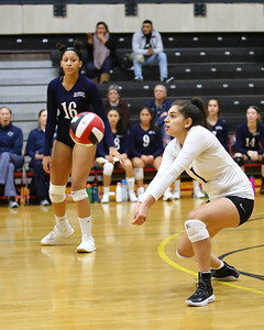 George P. Smith/The Montgomery Sentinel    Magruder's libero Alexandra Campero (1) with one of her 16 digs against Bel Air.