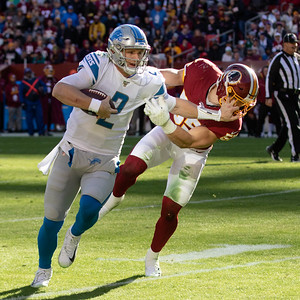 November 24, 2019 - Washington's Cole Holcomb was all over Detroit Lions Quarterback Jeff Driskel in the 19-16 Redskin's victory. Holcomb stops Driskel's short run despite the obvious face mask. Photo by Mike Clark/The Montgomery Sentinel