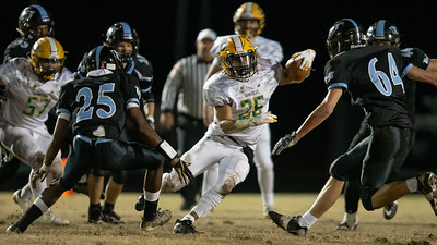 November 29, 2019 - Workhorse Chris Shaw of Damascus picks his hole in the Huntingtown defense in route to a 81-yard night and a touchdown in the 3A semi-final victory against number one seeded Huntingtown. Photo by Mike Clark/The Montgomery Sentinel