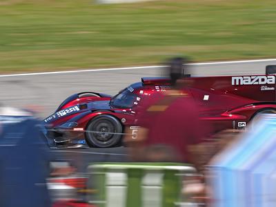 Mazda #55 continues to lead.