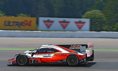 Team Penske/Acura #7 on parade lap