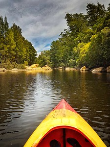 Kayaking down Kangaroo River