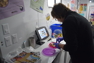 Mobile science lab comes to Winn Elementary