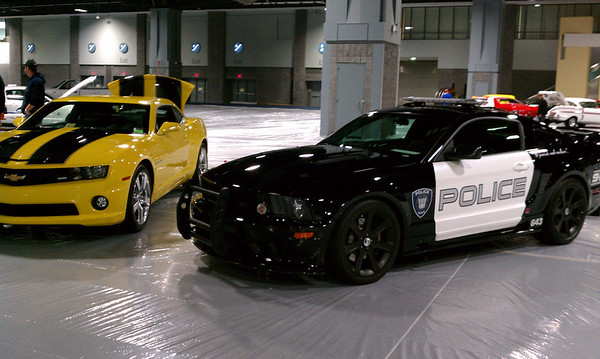 Barricade & Bubblebee at the setup for the 2011 Washington Auto Show<br /> 1/23/11